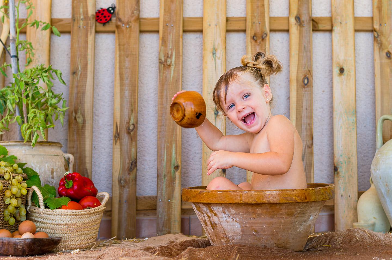 Anna en su baño post sesión Smash Cake. PSTFotografía