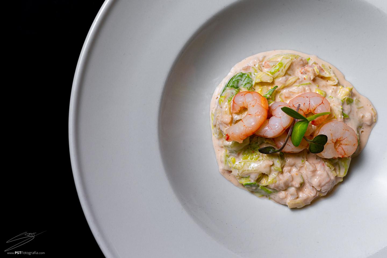 Ensaladilla de marisco, fotografía de comida